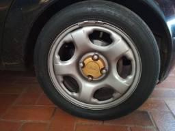 Roda aro 15 da ford Ecosport  com pneus 195/50/15 meia vida. Valor 650,00