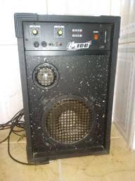 Vende-se um amplificador da marca LL100