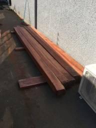 Poste madeira