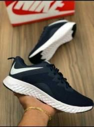 Tênis Nike lindíssimo TM 41 ao 43