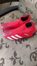 Chuteira Adidas nova n° 36