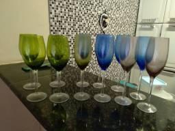Taças de vidro coloridas