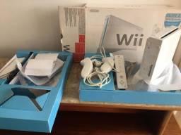 Nintendo WII Modelo RVL-001, na caixa, em perfeito estado + 5 jogos