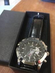 Relógio importado Weiguan