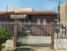 Casa no Maria Lurdes com 2 quartos e fundo construído