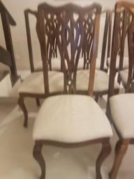 Cadeiras de madeira e mesa ( 08 unidades ).