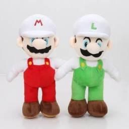 Título do anúncio: Mário e Luigi pelúcia 19cm com roupa branca
