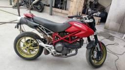 Sucata de moto para retirada de peças Ducati Hypermotard 2011