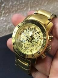 Relógio masculino dourado novo