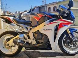 Título do anúncio: Honda CBR 1000RR