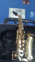 Saxofone Sopranino (soprano curvo) Suzuki