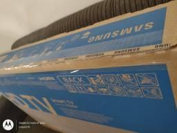 """Smart TV LED 32"""" HD Samsung T4300<br><br>LACRADA NA CAIXA"""