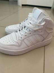 Tênis branco Adidas