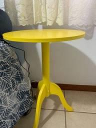Título do anúncio: móvel para ficar do lado da cama amarelo