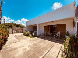 Casa em Jardim Fragoso com 302m2, 3 quartos sendo 2 suítes e 2 vagas de garagem..