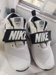 Tênis Nike seminovo, estado de novo