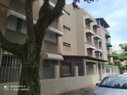 Apartamento 2 quartos podendo o terceiro quarto reversivel em Itapuã reformado