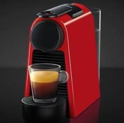 Cafeteira de Cápsulas Café Expresso - Nespresso Essenza Mini