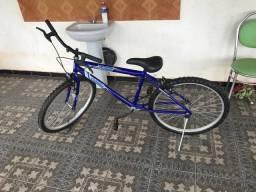 Vende-se bicicleta aro 26 azul