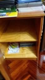 Armário para livros em cerejeira