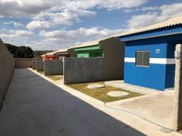 Casas 2 QTO´s com suite \ financiada Em Águas Lindas de Goias (61)98526-9914