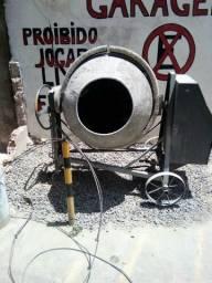 Vendo betoneira de 400 litros toda boa