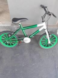Bicicleta infantil aro 16 novíssima Whatsapp 62 99246 4272
