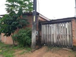 Vendo uma casa bem localizada contato 984112812