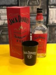 Jack Daniels Fire (garrafa+caixa+copo)