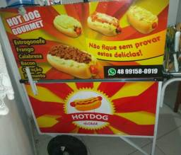 Vendo um carrinho de cachorro quente