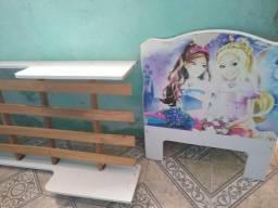 Vende-se uma cama de criança menina