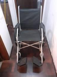 Cadeira de rodas com pneu com câmera de ar semi nova