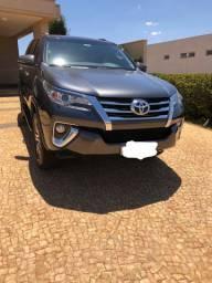 Toyota Hilux SW4 2019