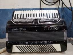 Acordeon titano
