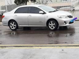 Corolla gli 1.8 completo automático 2013