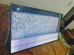 TV LCD smart 60 polegadas trincada