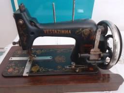 Máquina Costura Manual Vestazinha Dietrich Vesta Original<br><br><br>