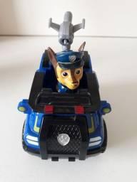 Carro e personagem patrulha canina em boas condições.