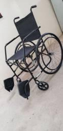Vendo cadeira de rodas nova