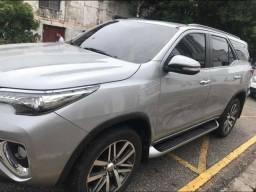 OFERTA Imperdível! Toyota SW4 2.8 Tdi Srx 7l 4x4 Aut. 5p