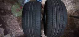 Par de pneus Michelin 225/50/17 em ótimo estado