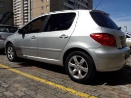 Vendo Peugeot 307 cor prata ano 2010/2011 superconservado apenas 89 mil km ,revisado
