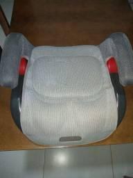 Vende-se um assento de carro ,pra crianças de até sete anos