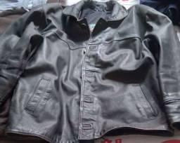 Vendo  uma jaqueta de couro masculino