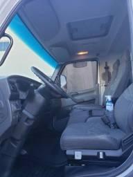 Caminhão Acelo 1016