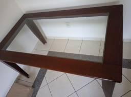 Urgente!!! Vendo mesa com centro de vidro!