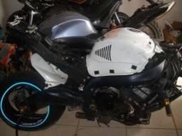 Sucata de moto para retirada de peças GSX 1000r 2011