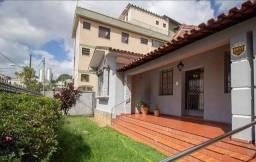 Casa com 3 Quartos e 2 banheiros para Alugar, 250 m² por R$ 6.100/Mês