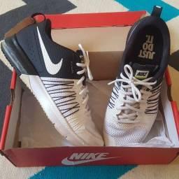 Tênis Nike FlyWire (usado) 42/43