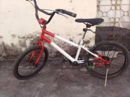 Título do anúncio: Bicicleta pra vende no presinho